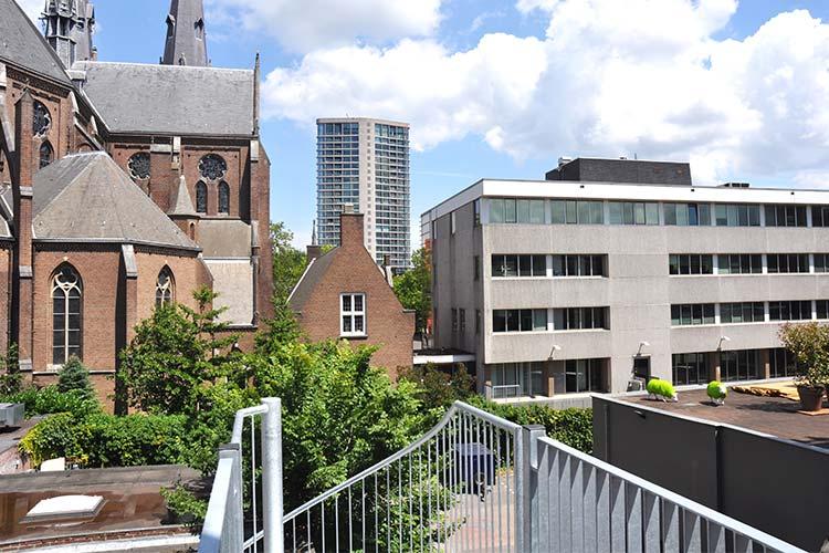 B&B De Eindhovenaar uitzicht Catharina kerk